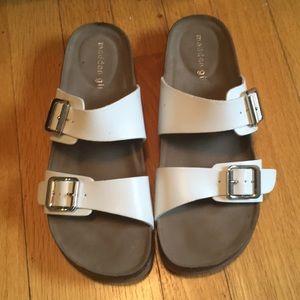 Never worn Steve Madden sandals